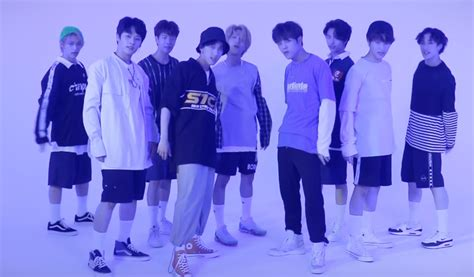 WATCH: Stray Kids dance to TWICE, GOT7 and more JYP groups
